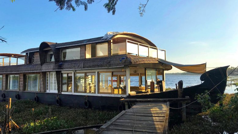 Leia Cruise Luxury HouseBoat